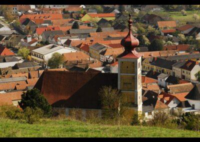 Burgenland - Donnerskirchen - Gemeindebild mit Bergkirche