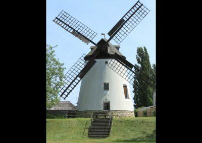 Burgenland - Podersdorf - Betriebsfähige Windmühle