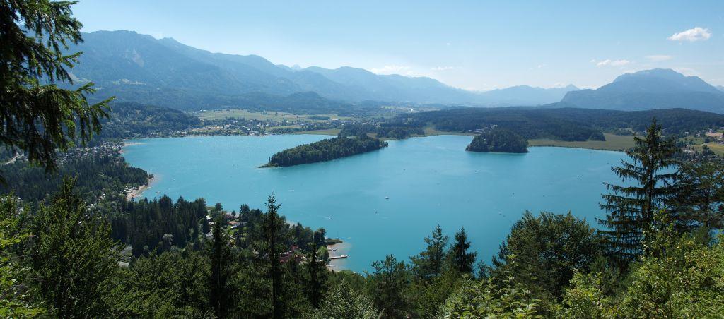 Blick auf den Faaker See von oben