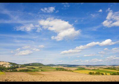 Niederösterreich - Ernstbrunn - Landschaft mit Hintergrund Kalkwerk