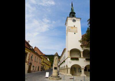 Niederösterreich - Gumboldskirchen - Rathaus mit Pranger