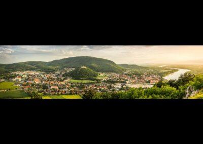 Niederösterreich - Hainburg an der Donau - Panoramabild der Stadt 2