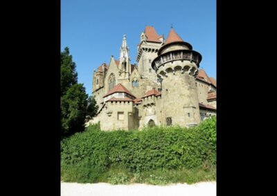 Niederösterreich - Leobendorf - Westseitige Ansicht der Burg Kreuzenstein