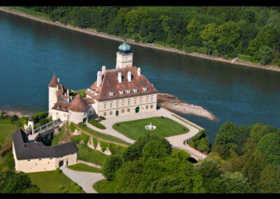 Niederösterreich - Schönbühel-Aggsbach - Luftaufnahme vom Schloss Schönbühel