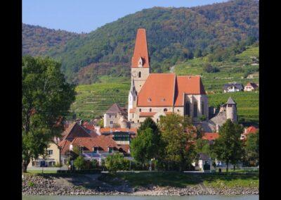 Niederösterreich - Weißenkirchen in der Wachau - Blick auf die Kirche