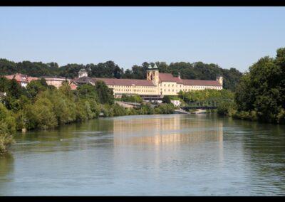 Oberösterreich - Lambach - Stift mit dem Fluss Traun