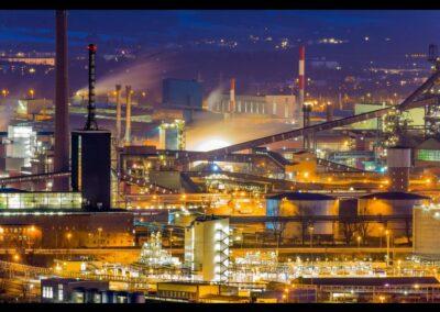 Oberösterreich - Linz - Industriegebiet bei Nacht