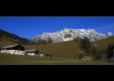 Sbg - Dienten - Landschaft mit der Pfarrkirche