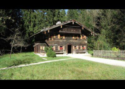 Sbg - Holzhaus am Waldesrand der Alpen