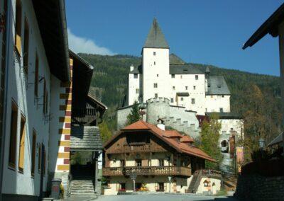Sbg - Mauterndorf - Blick auf die Burg 2