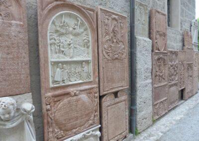 Sbg - Salzburg - Grabsteine im Petersfriedhof
