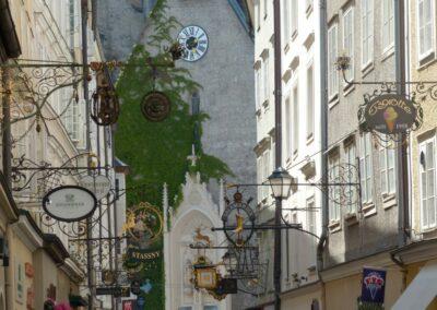 Sbg - Salzburg - Hausschilder in der Getreidegasse