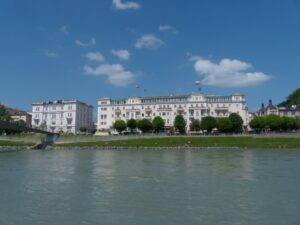 Sbg - Salzburg - Hotel Sacher im historischem Stadtzentrum