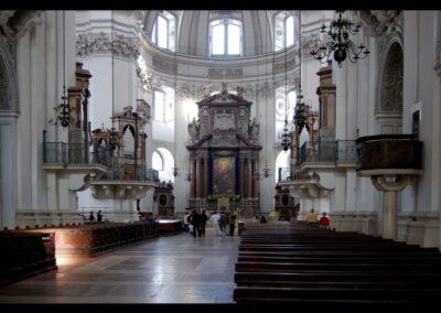 Sbg - Salzburg - Kirchenschiff de Salzburger Doms