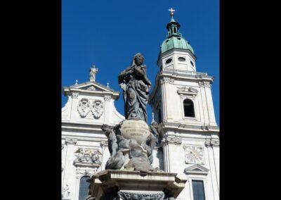 Sbg - Salzburg - Marienstatue vor dem salzburger Dom
