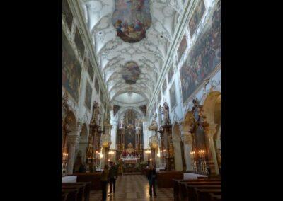 Sbg - Salzburg - Mittelschiff der Stiftskirche St. Peter