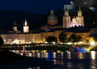 Sbg - Salzburg - Nachtansicht der Innstadt