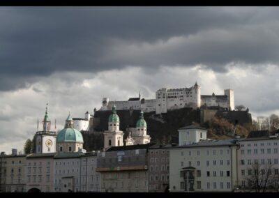 Sbg - Salzburg - düstere Wolken über der Stadt