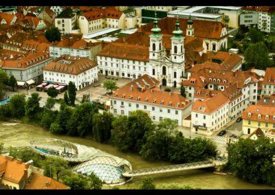 Stmk - Graz - Murinsel mit teilen der Stadt