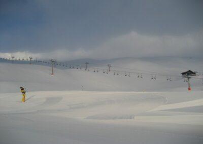Tirol - Dunkle Wolken über der Skipiste Sölden