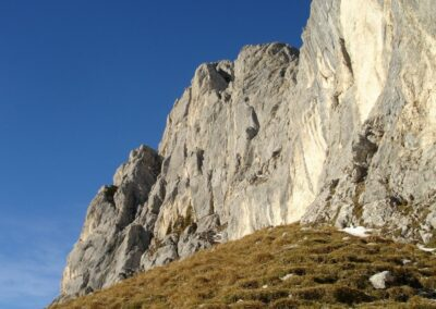 Tirol - Felswand der Roten Flüh