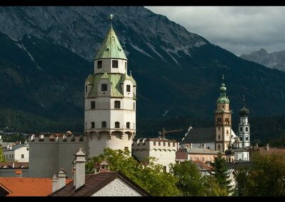 Tirol - Hall - Münzerturm und Herz-Jesu-Basilika