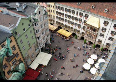 Tirol - Innsbruck- Luftaufnahme der Altstadt