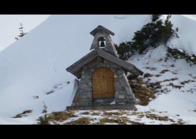 Tirol - Kapelle in der Tannheimer Berglandschaft