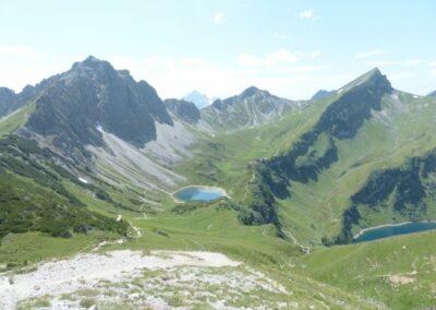 Tirol - Lachenspitze und Steinkarspitze im Frühling