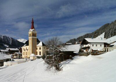 Tirol - Obertilliach - Gemeinde und die Pfarrkirche