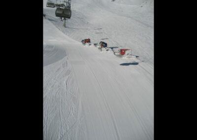 Tirol - Sölden - Pistenbullys im Wintersportort