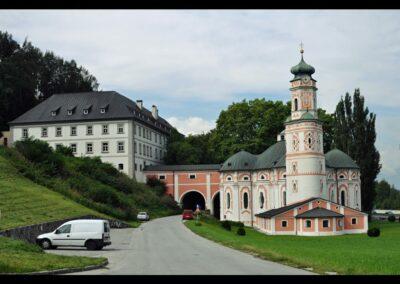 Tirol - Volders - Servitenkloster und die Stiftskirche