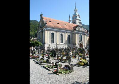 Bild zeigt: Bezau - Pfarrkirche Hl. Jodok und Friedhof