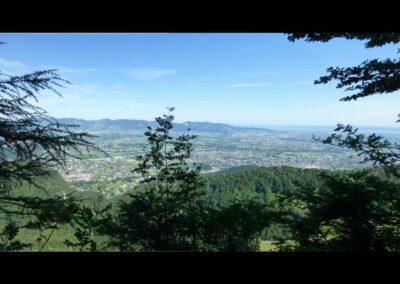 Bild zeigt: Blick von der Hohe Kugel ins Rheintal