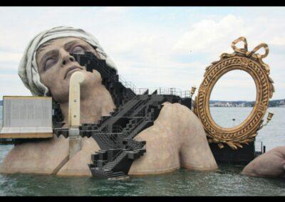 Bild zeigt: Bregenz - Bühnenbild 2012 der Oper Andre Chenier