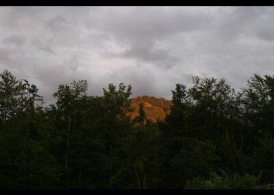 Bild zeigt: Sonnenuntergang in den Bergen Vorarlbergs