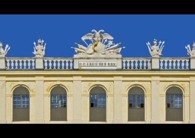 Bild zeigt: Wien - Abschnitt vom Dach Schloss Schönbrunn
