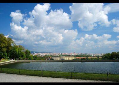 Bild zeigt: Wien - Blick auf Schloss Schönbrunn 2