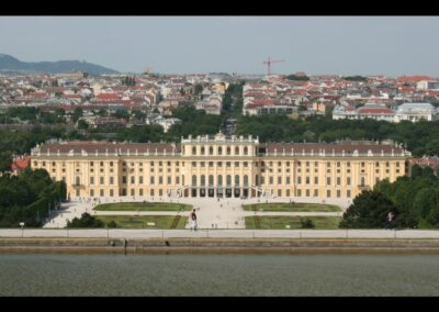Bild zeigt: Wien - Blick auf Schloss Schönbrunn