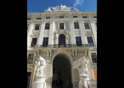 Bild zeigt: Wien - Eingangsportal der Hofburg