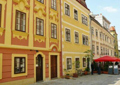 Bild zeigt: Wien - Häuserzeile in der Stadt