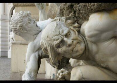 Bild zeigt: Wien - Männer-Skulpturen in der Wiener City