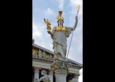 Bild zeigt: Wien - Monumentalstatue der Pallas Athene