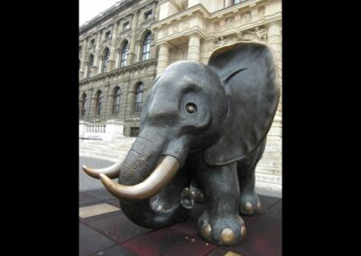 Bild zeigt: Wien - Vor dem naturhistorischen Museum